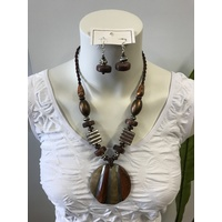 Selrah- Brown Shell necklace and earring set